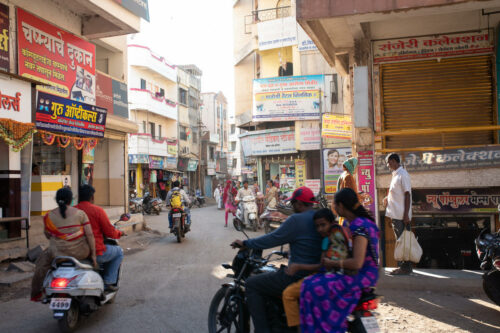 Amid the sanitary crisis, a food crisis in India